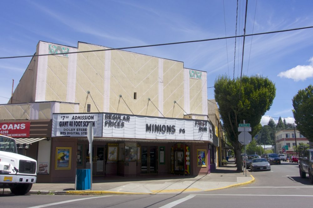 Drive In Movie Theater Oregon >> A Mini Retreat and Staycation in Silverton, Oregon - Intentional Travelers